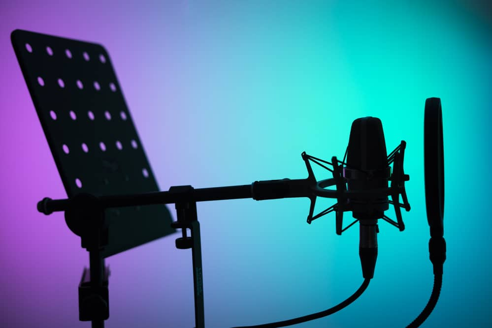 Freelance Voiceover or Voiceover Agent?